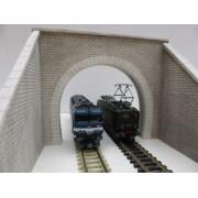 Entrée de tunnel voie unique électrifiée