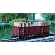 Wagon SNCF tombereau avec bois