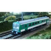 X 2200 SNCF vert à faces noires