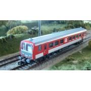 X 2200 SNCF rouge à faces noires