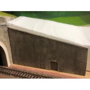 2 grands murs patinés avec niche