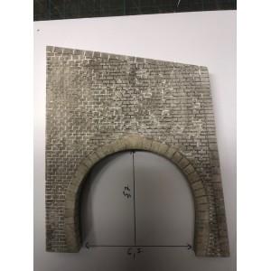 Portail de tunnel BLS décoré
