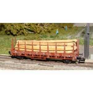 Wagon plat à ranchers DB chargé de troncs