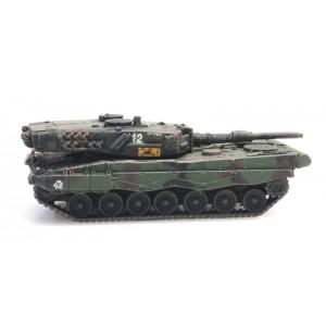 Char Leopard 2A4 camouflé en version chargement